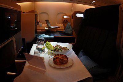 На разработку А380 ушло около 10 лет, стоимость всей программы - около 12 млрд евро.  Airbus утверждает, что для...
