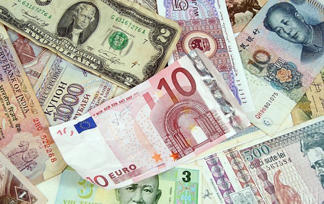 Премьер Украины пообещал стабильный курс национальной валюты в2017 году