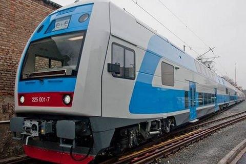 Награнице Харьковской иПолтавской обл. обстреляли поезд с солдатами АТО,— волонтер