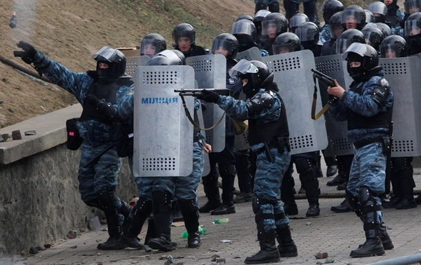 Суд допросил экс-командующего внутренних войск Украинского государства обубийствах наМайдане