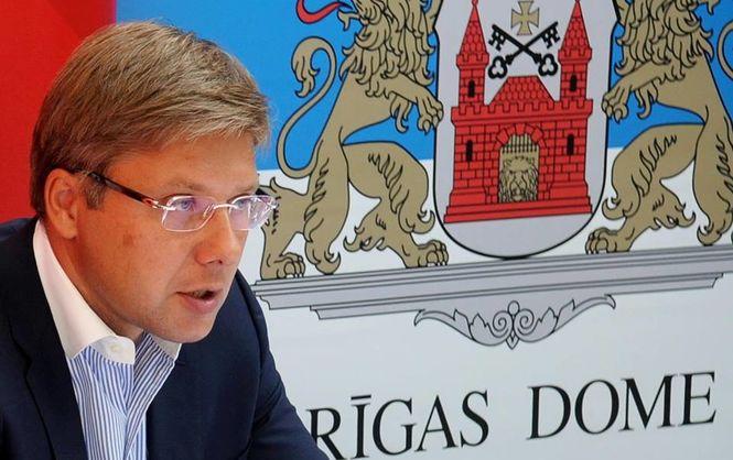 Мэр Риги обжаловал штраф заиспользование иностранных языков винтернете
