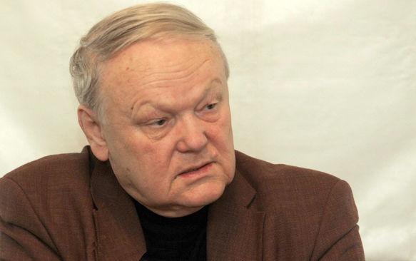 Сегодня вКиеве будут прощаться споэтом сПолтавщины Борисом Олейником