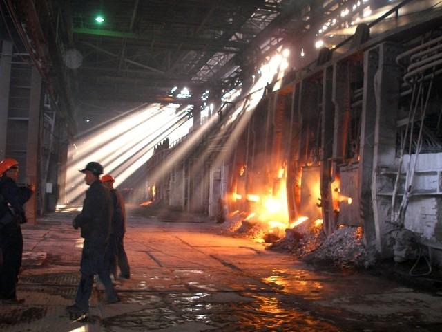 Захваченные боевиками украинские предприятия вОРДЛО останавливаются