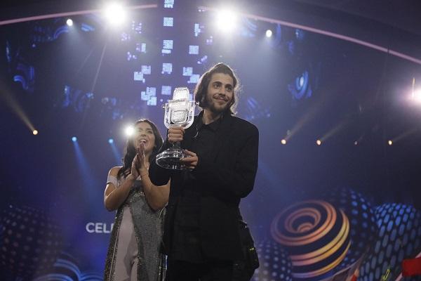 Португальский певец Сальвадор Собрал стал победителем музыкального конкурса «Евровидение-2017»