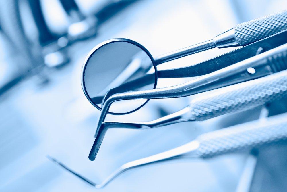 Зубная «фея»: стоматолог изПетербурга вырвал пациентке 22 здоровых зуба