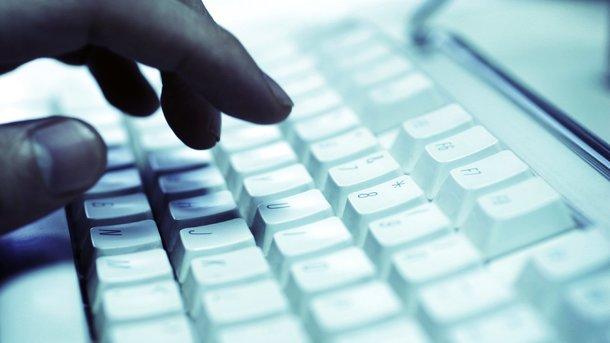 ВУкраинском государстве вирус Petya заразил 12,5 тыс компьютеров— Microsoft