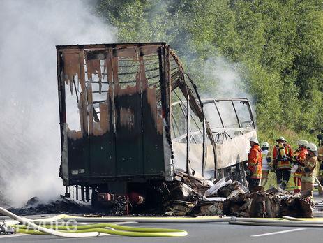 Около 17 пассажиров считаются пропавшими без вести после ДТП вБаварии