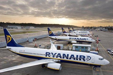 Лоукостер Ryanair выдвинул аэропорту