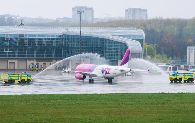 ВКабмине решили сделать свою лоукост-авиакомпанию