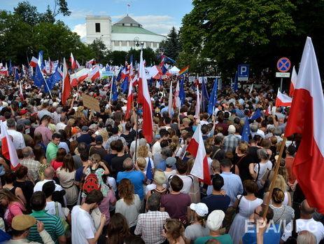 Президент Польши утвердил поправки кзакону осносе советских монументов