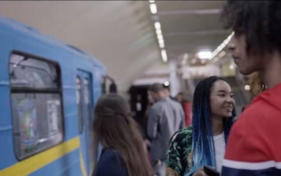 Motorola сняла рекламный ролик вкиевском метро