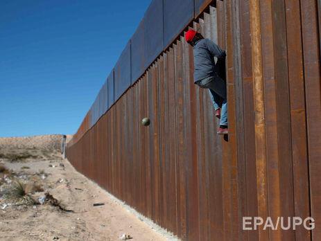 ВСША найден туннель для идущих изМексики незаконных мигрантов