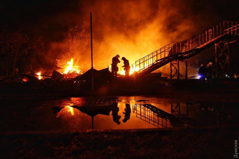 Школьница спасла восьмерых детей впожаре водесском детском лагере
