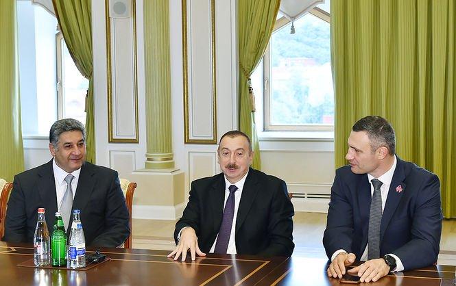 ВКиеве установят монумент Муслиму Магомаеву
