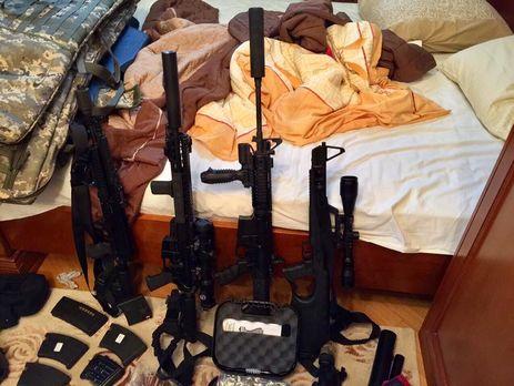 Вкиевлянина отыскали  арсенал оружия