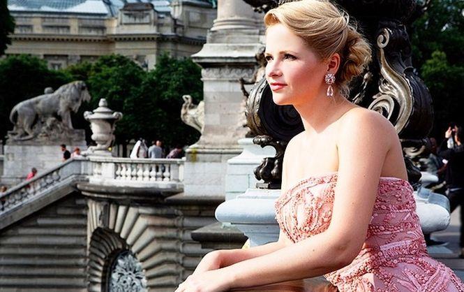 Бывшая супруга  Пескова владеет роскошной  квартирой вцентре Парижа— Навальный