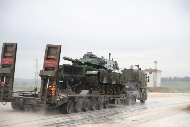 Турция перебрасывает танки награницу из-за операции США вСирии