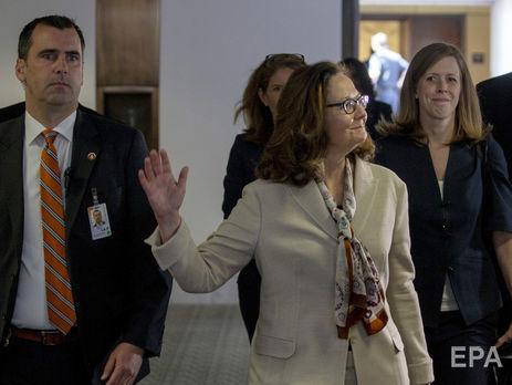 «Нежилец»: ВБелом доме грубо пошутили над больным раком Маккейном
