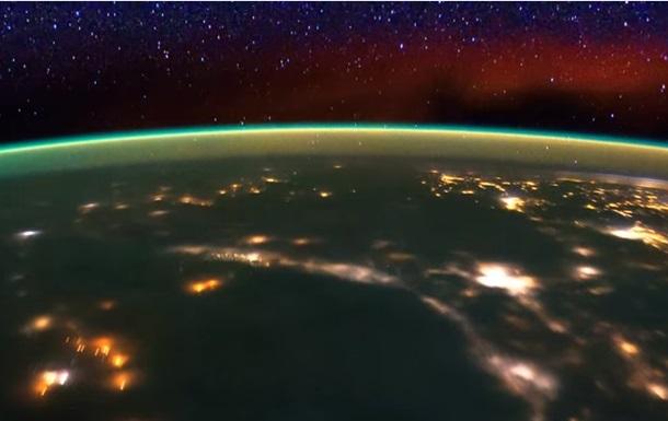 НАСА опубликовало непонятное видео сборта МКС