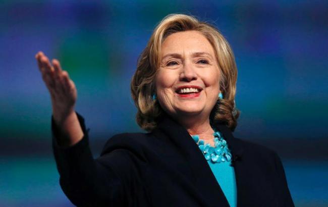 Клинтон набрала достаточное количество голосов для выдвижения впрезиденты США