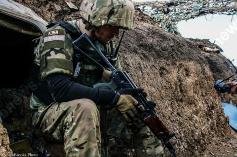 Трое военных погибли засутки наДонбассе