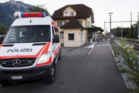 Нападение впоезде вШвейцарии: отранений скончалась женщина