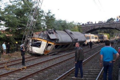 Жертвами крушения поезда вИспании стали 4 человека