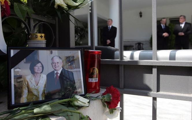 Поляки эксгумируют трупы погибших всмоленской авиакатастрофе